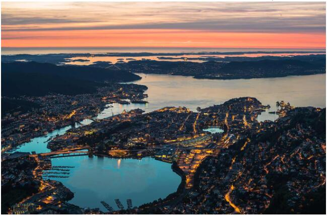 FLIGHTS, ACCOMMODATION AND MOVEMENT IN BERGEN